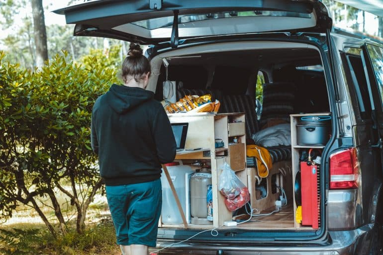 how to make money living on the road