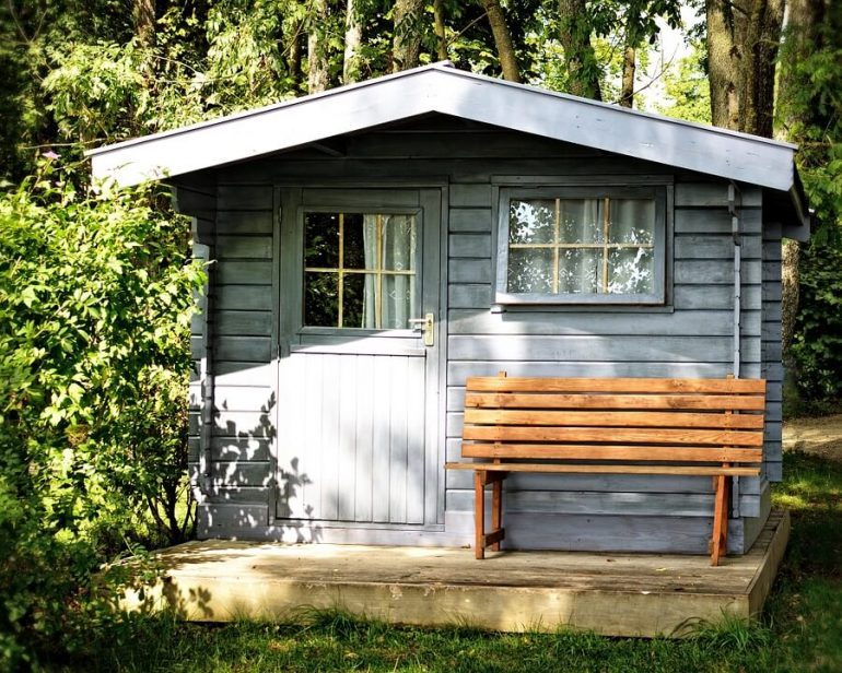 A shed in nature - living in a shed